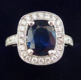 Stunning vintage 18ct 18k white gold 2.20 Sapphire and 0.70ct Diamond vintage antique cluster ring